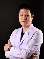 Dr Pawak Tungthangthum - Dentist at Kitcha Dental Clinic