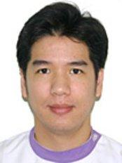 Dental 4 You Clinic - Dr Warut Muttaruk