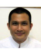 Dr Supachai Suphankul - Doctor at Dental Point Clinic - Soi Yume Pattaya Third Road