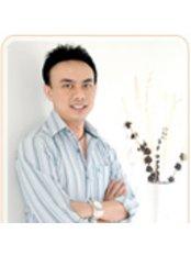Dr Sarawut Tepsuparangsikul - Dentist at Karon Dental Home Clinic