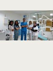 Tunis Dental Clinic - Rue de la feuille d'érable, les Berges du lac  2, Tunis, 1053,