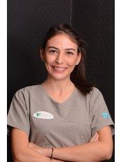Dr. Cansu  UZUN - Zahnärztin - Dental Estetik Center - Dr. Güzin Kirsaçlioğlu