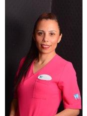 Frau Ebru BAHÇA - Zahnarzthelferin - Dental Estetik Center - Dr. Güzin Kirsaçlioğlu