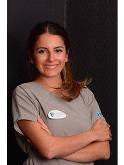 Dr. Demet  Horoz - Zahnärztin - Dental Estetik Center - Dr. Güzin Kirsaçlioğlu