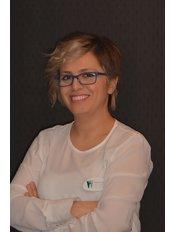 Frau Yasemin  Ural - Operative Leitung - Dental Estetik Center - Dr. Güzin Kirsaçlioğlu