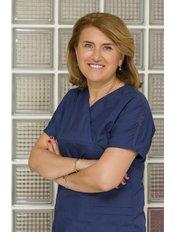 Dr. Canan Çaliskan Yümsel - Zahnärztin - Hurma Zahngesundheitszentrum