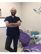 Dr Barish KOLIK - Orthodontist at Akva Dental Clinic