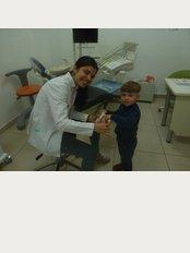 Bembeyaz Dental Clinic - Ankara Caddesi, Dr. Gürol Başaran Sokak, D Blok, No: 1/14, Istanbul,