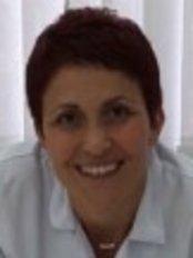 Arzu Üstündag Esen - Dentist at Dentacell Oral Health and Dental Treatment Policlinic - Mecidiyekoy
