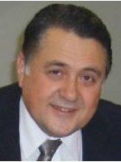 Ali Hayri Bingeli - Dentist at Dentacell Oral Health and Dental Treatment Policlinic - Mecidiyekoy