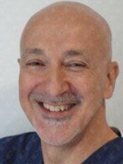 Dr. Selçuk Basa -  - Swiss Centerdent