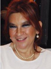 Dr. Banu Dizdar - Zahnärztin - Swiss Centerdent