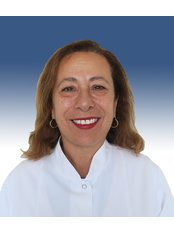 Dr. Nilüfer Gözler -  - Universaldent Zahnklinik