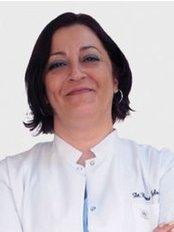 Dr. Banu Selvi BILIR - Zahnärztin - Dentaydın - İstanbul Aydın Üniversitesi