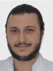 Dr. Mehmet Mert ÖZCAN - Zahnarzt - Dentaydın - İstanbul Aydın Üniversitesi