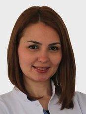 Dr. Aygül Sevda ATALAY ONUR - Zahnärztin / Praxispartnerin - Dentaydın - İstanbul Aydın Üniversitesi