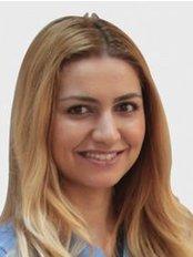 Dr. Sümeyra Esra BOZBAY - Zahnärztin - Dentaydın - İstanbul Aydın Üniversitesi
