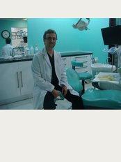 Piril Dent Implant Merkezi - İzzettin Çalışlar Cad. No: 54 / 4, Bahçelievler / İstanbul,