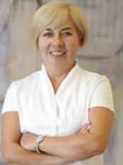Dr. Ülkü Noyan - Zahnärztin - Implant Clinic Istanbul
