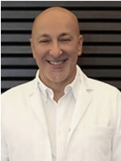 Dr Selçuk Basa - Oral Surgeon at Implant Clinic Istanbul