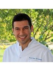 Dr Mehmet Oguz Öztoprak - Orthodontist at Dentapolitan