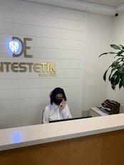 Frau Canan Hısım - Stellvertretende Praxisleiterin - Istanbul Dentestetik