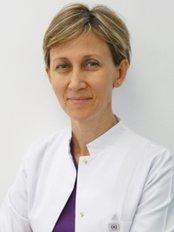 Dr Filiz Hyusein Cavdar -  at DMR Dent