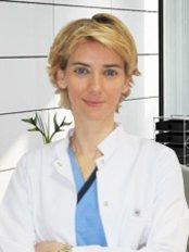 Dr Isil Damla Sener Yamaner -  at DMR Dent