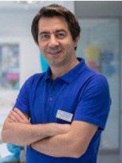 Dr. Alper Gurhan - Zahnarzt - Maltepe Zahnklinik