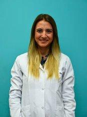 Dr. Rumeysa Okutan - Kieferorthopädin - Okutan Zahnkliniken