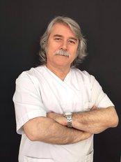 Dr. Mehmet Kıran - Zahnarzt - Diş Dünyası
