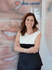 Dr. Ebru Hocaoglu - Zahnärztin - Clinic Center - Zahngesundheitszentrum