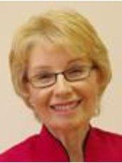 Dr Roseann Shanks - Principal Dentist at 5 De Parys Dental Care