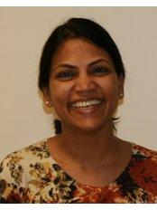 Dr Vanaja Rachha - Dentist at De-ientes Clapham