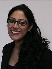 Dr Kiran Jutla -  at De-ientes Clapham