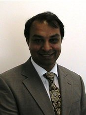 De-ientes Clapham - Dr Rahendara Naidoo