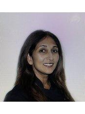 Dr Neeta Patel - Oral Surgeon at Leagrave Dental Sedation Clinic