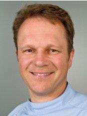 Dr Steve Jones - Principal Dentist at Pentangle Dental Transformation