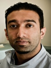 Dr Tehmur Tariq - Associate Dentist at Moonlight Dental Surgery - Shinfield