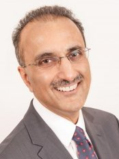 Dr Tidu Mankoo - Principal Dentist at Windsor Centre for Advanced Dentistry