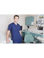 Stoke Bishop Dental Centre - Dr Paul Wilson