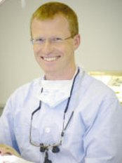 Beaconsfield Dental Practice - Mr Jeff Barlow B.D.S.(Birm.)