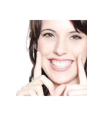 Veneers - Appledore Dental Clinic - Milton Keynes