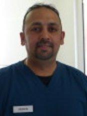 Dr Neren Naidoo - Principal Dentist at Silveroaks Dental