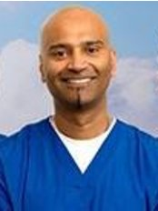 Dr Omar Qureshi - Dentist at Cambridge Smile Studio