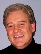 Hollies Dental Practice - Dr Robert Jones