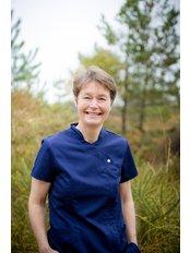 Hilary Baynes - Dentist at Teeth on the Heath
