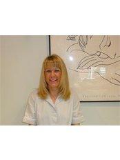 Ms Jane Nicholson - Dental Nurse at Lam Dental Care