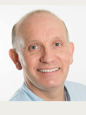 SmileWorks Dental and Orthodontic Clinic - Dr Simon Horsley: Principal Surgeon BDS (U.Lond.), LDS, RCS (Eng.)