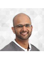Dr Naveed Maan - Dentist at HSJ Dental